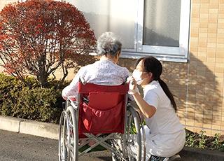 介護療養型老人保健施設,介護補助